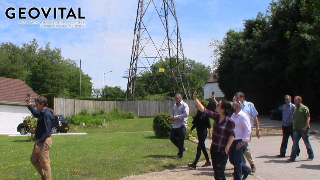 An experiment demonstrates the difference between EMR and electric fields from power lines