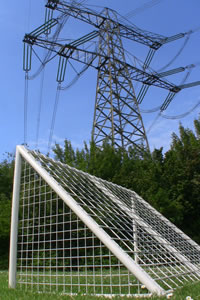 power lines near houses and risk of health problems by emr