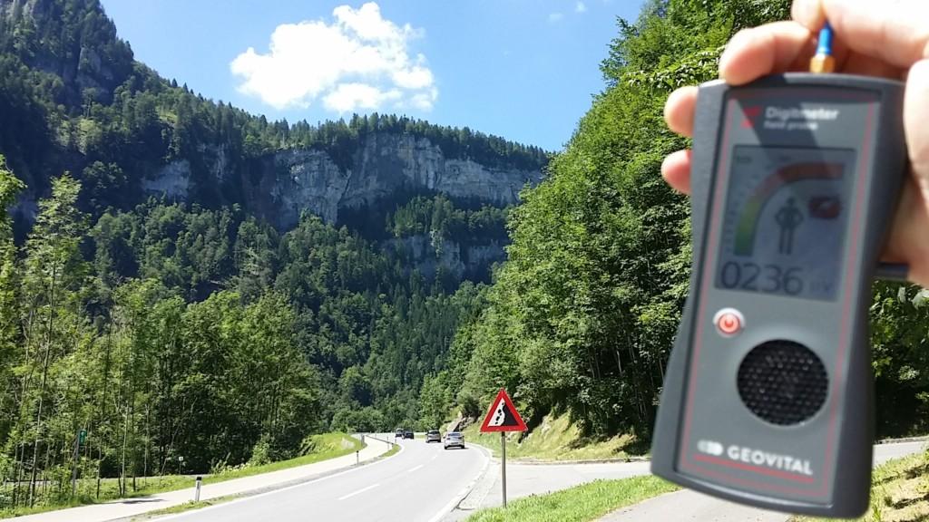 RF EMF radiation level on Bregenzerwaldstraße near Andelsbuch, Austria - Photo by Patrick van der Burght