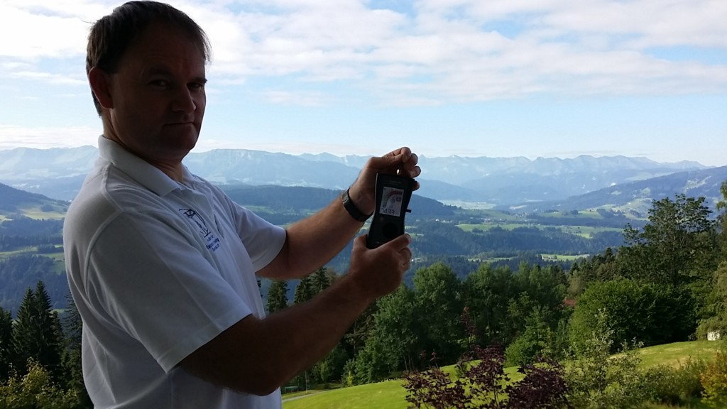 RF EMF radiation levels (433μV) on the Geovital Akademie Balcony, Sulzberg, Austria (featuring Patrick van der Burght) - Photo by Sascha Hahnen