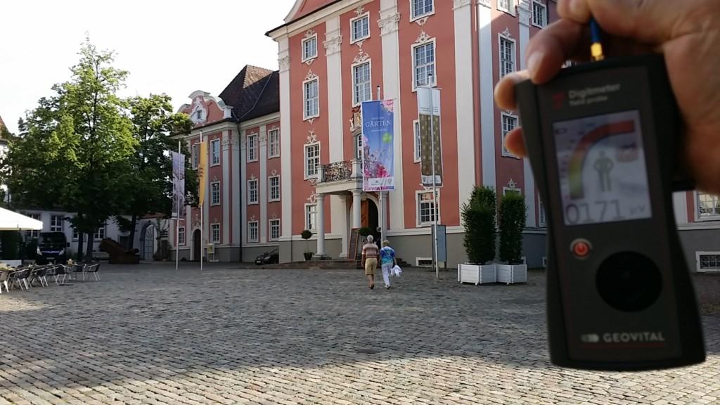 RF EMF radiation levels at Neues Schloss, in Meersburg, Baden-Württemberg, Germany - photo Patrick van der Burght