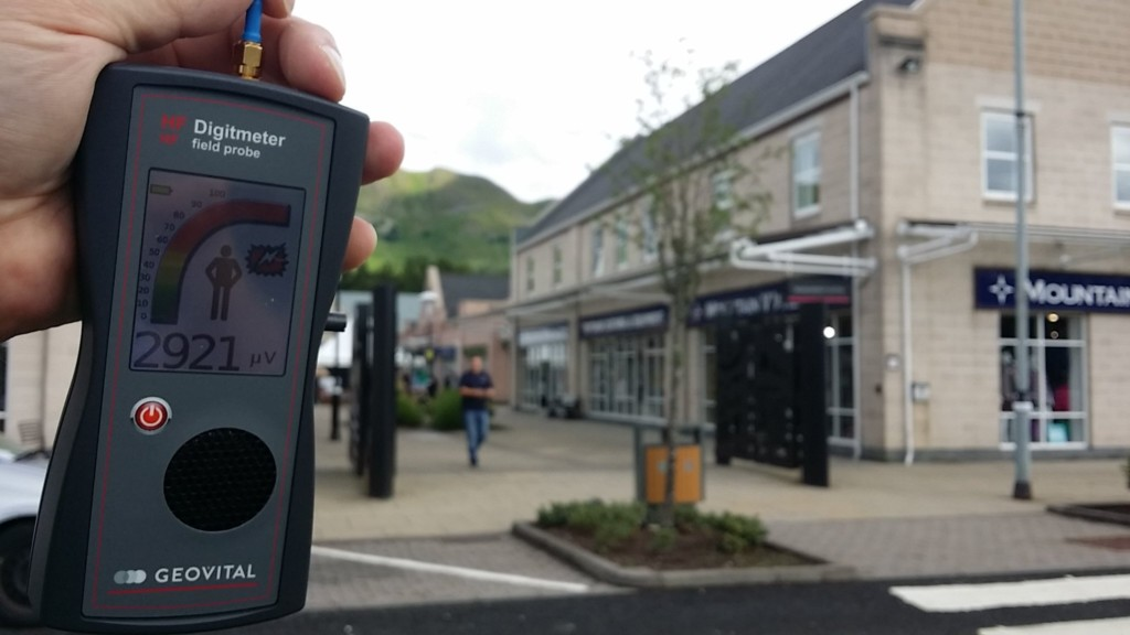 RF EMF radiation levels, Tillicoultry, Stirling Mills Outlet Shopping Village, Scotland, UK - Photo by Patrick van der Burght